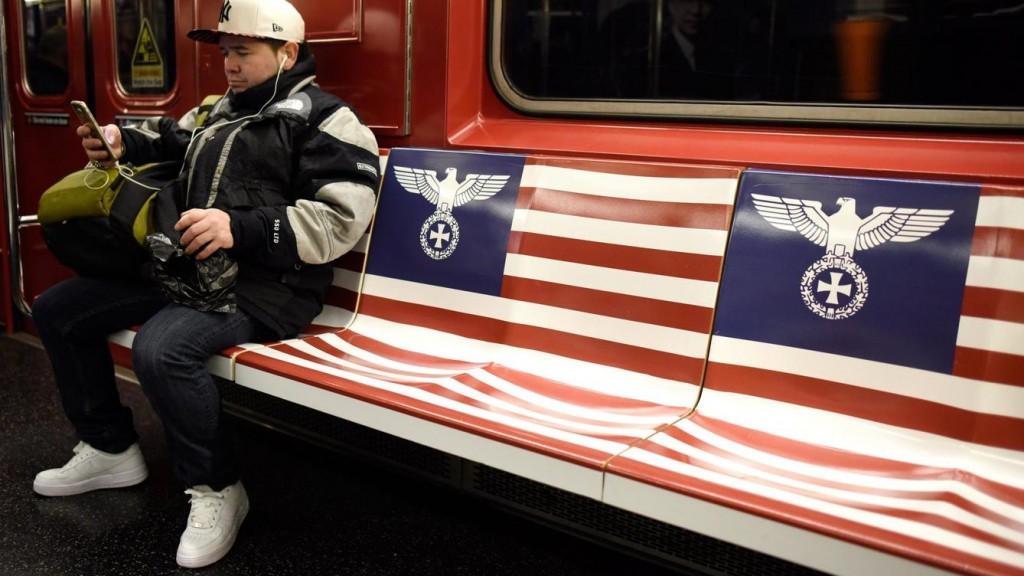 amazon-decide-que-empapelar-nueva-york-con-simbologia-nazi-no-es-una-buena-idea.jpg?mtime=1448447320