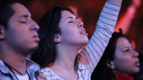Girl-worshiping2