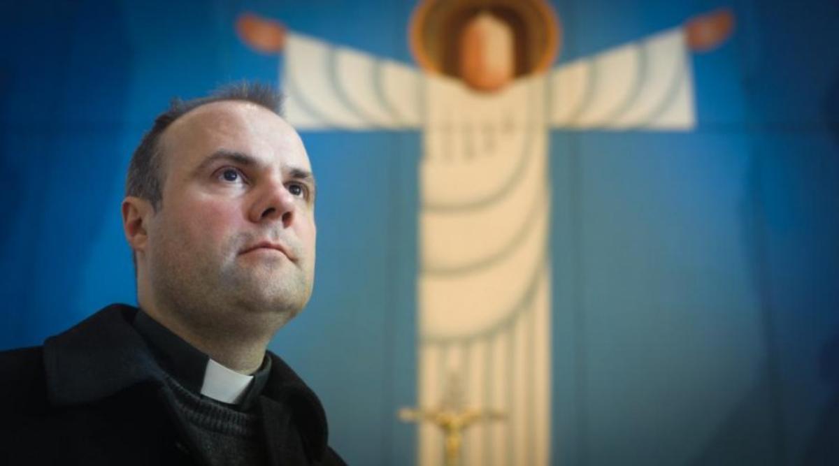 Resultado de imagen para sacerdote dios